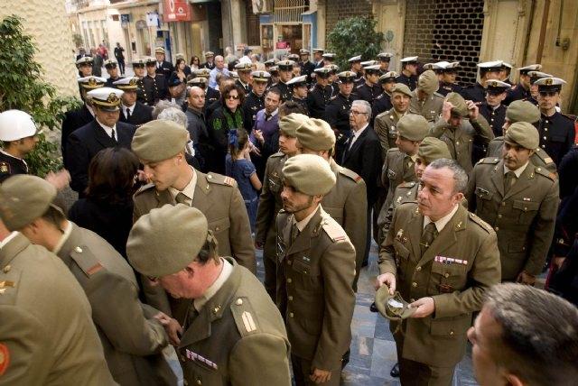 La alcaldesa y los portavoces municipales asisten a la misa en honor de los marinos fallecidos en Haití - 2, Foto 2
