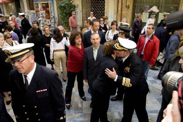 La alcaldesa y los portavoces municipales asisten a la misa en honor de los marinos fallecidos en Haití - 3, Foto 3