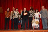 La asociación cultural Caja de Semillas galardona, en el transcurso de un recital de poesía, a Juana Serrano como mejor escritora totanera 2010