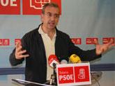El PSOE asegura que 'el alcalde sigue imputado por diez delitos, incluido el de cohecho, en los juzgados de Totana'