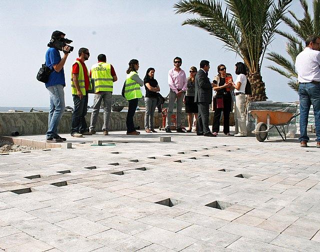 Obras Públicas construye un carril bici en los paseos marítimos del Puerto de Mazarrón - 2, Foto 2