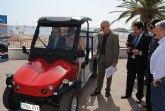 San Javier incorpora dos nuevos vehículos eléctricos para el mantenimiento y limpieza del entorno playero
