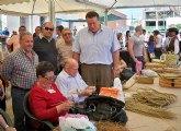 Gran afluencia  de visitantes al VIII Mercado Tradicional y Muestra de Artesanía de Roche