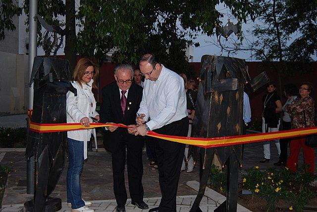 Se inauguran las esculturas alegóricas a la Fiesta de Los Mayos, Foto 1