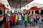 Los alumnos del colegio Narciso Yepes de Murcia aprenden y disfrutan de una clase en tren