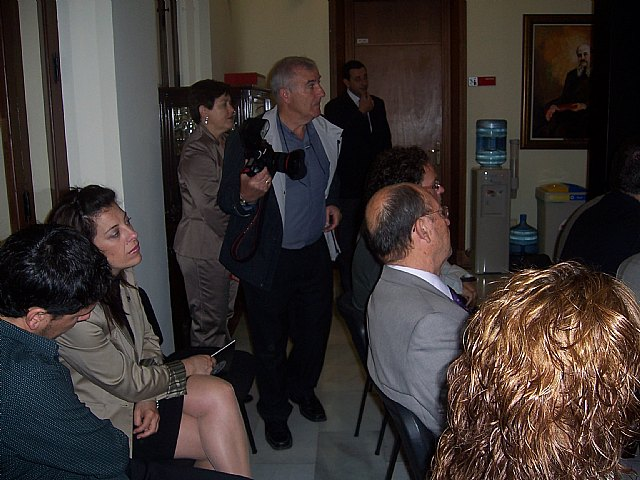 La concejal de Educaci�n asiste a la presentaci�n de las acciones formativas de la Universidad del Mar, Foto 2