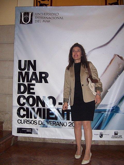 La concejal de Educaci�n asiste a la presentaci�n de las acciones formativas de la Universidad del Mar, Foto 3