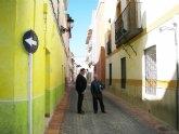 Abierta al tráfico de nuevo la calle Vizcondes de Rías, después de una importante remodelación y adaptación al resto de vías del casco histórico