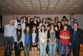 La Alcaldesa recibe a un grupo de estudiantes franceses de intercambio con alumnos del IES Mar Menor