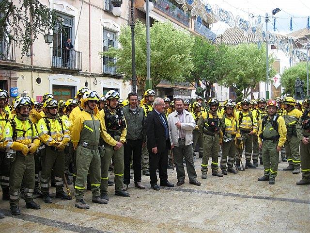 200 miembros de las Brigadas Forestales de Murcia peregrinan a Caravaca por la Vía Verde, Foto 1