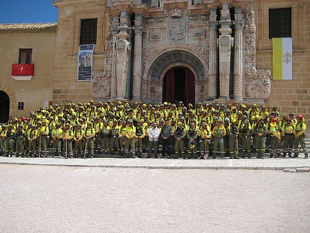 200 miembros de las Brigadas Forestales de Murcia peregrinan a Caravaca por la Vía Verde, Foto 2