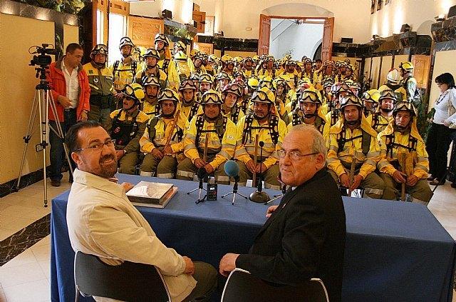 200 miembros de las Brigadas Forestales de Murcia peregrinan a Caravaca por la Vía Verde, Foto 3