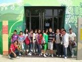 Los participantes del Proyecto de integración socioeducativa de menores inmigrantes realizan una visita educativa
