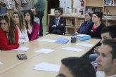 El Alcalde de Torre-Pacheco visita a los alumnos de los institutos del municipio que llevan a cabo el proyecto Empresa Joven Europea (EJE)