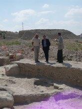 El director general de Bellas Artes visita una necrópolis íbera en Archena donde se han localizado 13 tumbas