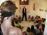 Los escolares protagonizan las visitas teatralizadas a 'Casas Consistoriales'