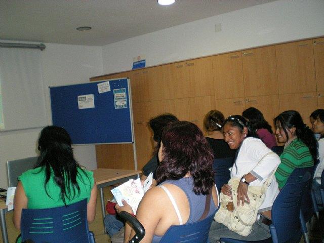 Comienzan los talleres de formaci�n para mujeres inmigrantes, Foto 2