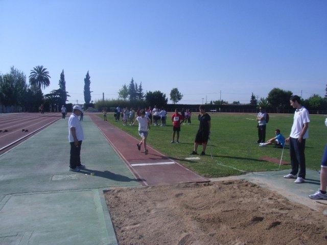 Los equipos de los centros educativos San Jos� y Reina Sof�a participan en la final regional escolar de atlestimso, Foto 3