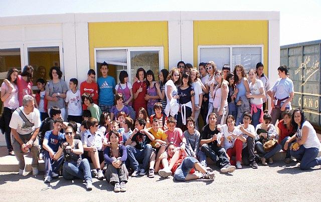 Los jóvenes de Mula celebran el Día del Reciclaje con una visita al Ecoparque, la EDAR y el Parque Solar - 1, Foto 1