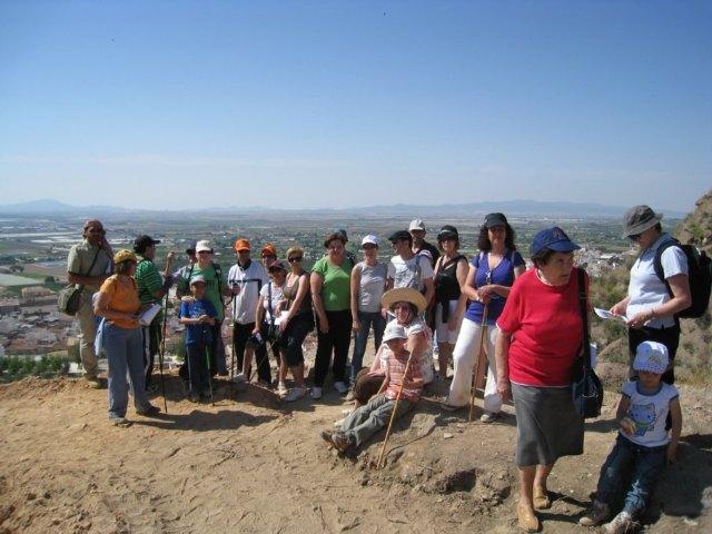 Gran participación en la Visita Guiada al Yacimiento del Cerro del Castillo, Foto 2