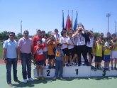 Los equipos de los centros educativos San Jos� y Reina Sof�a participan en la final regional escolar de atlestimso