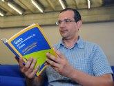 Un libro intenta que los alumnos de selectividad consigan el máximo provecho en el examen de Física
