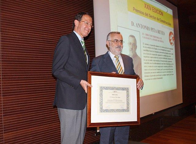 El Alcalde expresa su reconocimiento al esfuerzo y sacrificio de los empresarios de construcción para afrontar la crisis - 2, Foto 2