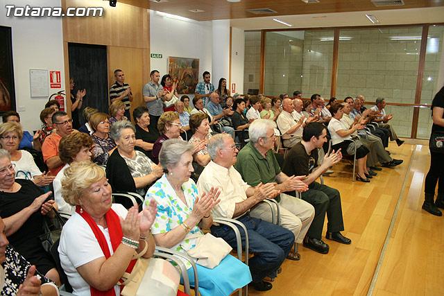 Más de 200 usuarios del Centro Municipal de Personas Mayores de la localidad reciben los diplomas - 23