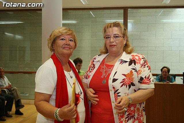 Más de 200 usuarios del Centro Municipal de Personas Mayores de la localidad reciben los diplomas - 34