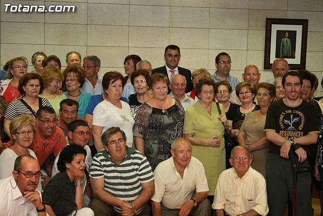 Más de 200 usuarios del Centro Municipal de Personas Mayores de la localidad reciben los diplomas - 46