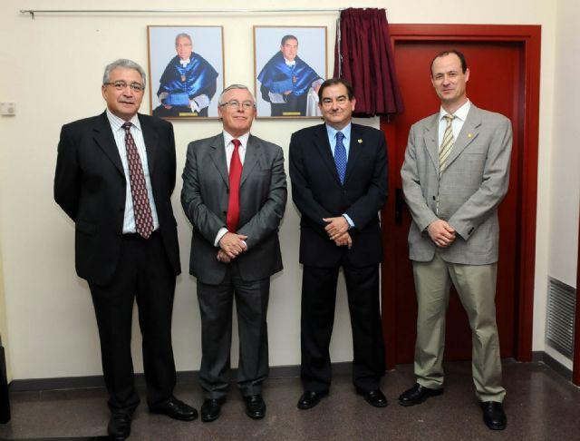 El rector inauguró la galería de decanos de la Facultad de Matemáticas - 1, Foto 1