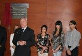 Valcárcel destaca el compromiso y la vocación del doctor Lorenzo Guirao