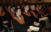 Los nuevos ingenieros de la UCAM reciben sus Becas y Diplomas acreditativos.