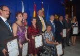 La tertulia literaria 'Mesa-Café' entrega los premios 'Popular del Año 2008 y 2009'