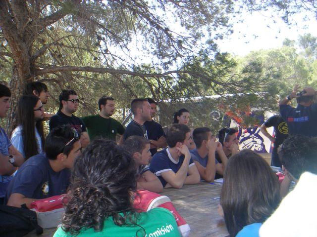Los jóvenes ilorcitanos disfrutaron de una jornada de paintball en Totana, Foto 2