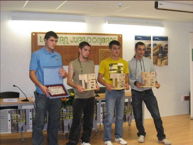 Un alumno del IES ´Castillo Puche´ obtiene el segundo premio en el VII Concurso Nacional de ciclos formativos de Madera y Mueble - 1, Foto 1