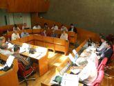 El Pleno pide por unanimidad al Gobierno de España que cumpla los plazos de llegada del AVE al municipio y su conexión con Andalucía