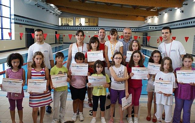 Un centenar de  niños lumbrerenses participan en el 'Trofeo de Natación Infantil 2010' - 1, Foto 1