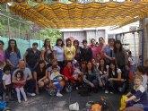 Las alumnas del curso de auxiliar de educación infantil realizan una visita didáctica a la Escuela Municipal Infantil Clara Campoamor