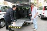 Agricultura entrega una barredora autopropulsada - aspiradora al Ayuntamiento de Santomera