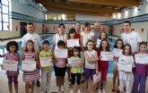 Un centenar de  niños lumbrerenses participan en el 'Trofeo de Natación Infantil 2010'