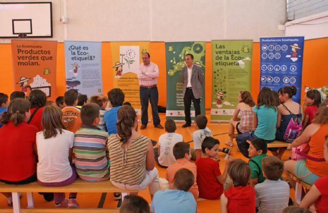 El Ayuntamiento y la Comunidad promueven la campaña ´Ecoetiqueta´ sobre consumo responsable y ecológico - 1, Foto 1
