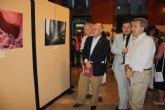 Cerdá inaugura la exposición de fotografía Ciudad de Cieza, centrada en el agua, la sequía y las energías renovables