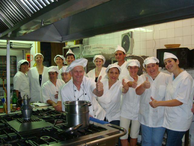Nuevos ayudantes de cocina para los establecimientos hosteleros - 1, Foto 1