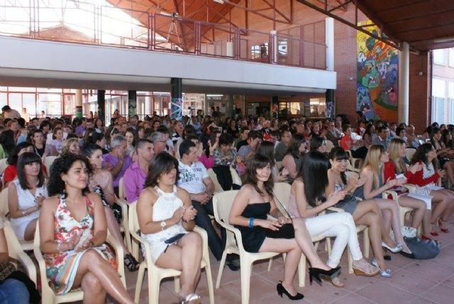 Finaliza el curso escolar con la tradicional entrega de diplomas y orlas a los alumnos del IES Rambla de Nogalte - 1, Foto 1