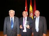 El Ayuntamiento de Los Alcázares recibe el premio 'Escoba de Plata 2010' por su gestión de limpieza urbana