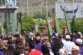 Centenares de personas acogen la Cruz de los Jóvenes y el Icono de la Virgen en Cartagena