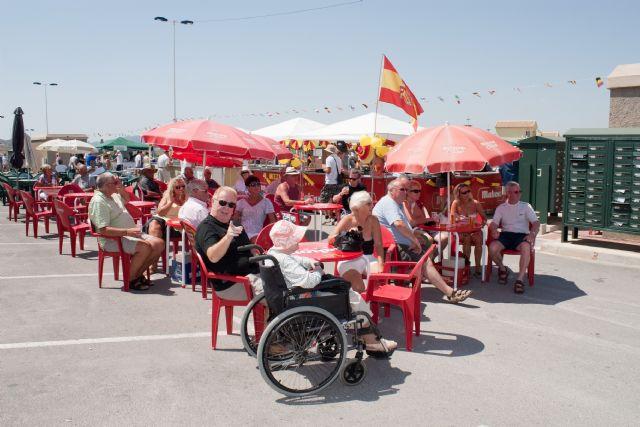 Los residentes extranjeros contagian de fiesta a los mazarroneros - 1, Foto 1