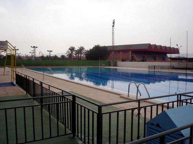 Desde el pasado fin de semana están abiertas al público las dos piscinas municipales - 1, Foto 1
