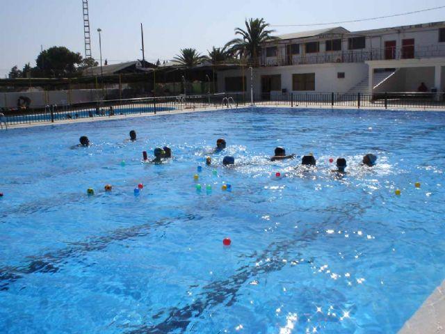Desde el pasado fin de semana están abiertas al público las dos piscinas municipales - 2, Foto 2